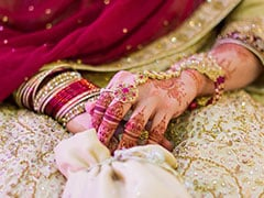Differently Abled Parents In Delhi To Get Money For Daughter's Marriage