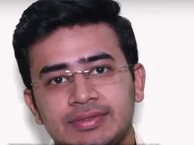 Video : বেঙ্গালুরু দক্ষিণ থেকে বিজেপির সর্বকনিষ্ঠ তুর্কি তেজস্বী সূর্য