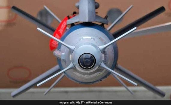 बालाकोट एयरस्ट्राइक में जिन आतंकी कैंपों को किया गया था ध्वस्त वे फिर हुए सक्रिय, 129 आतंकी घुसपैठ की फिराक में : सूत्र