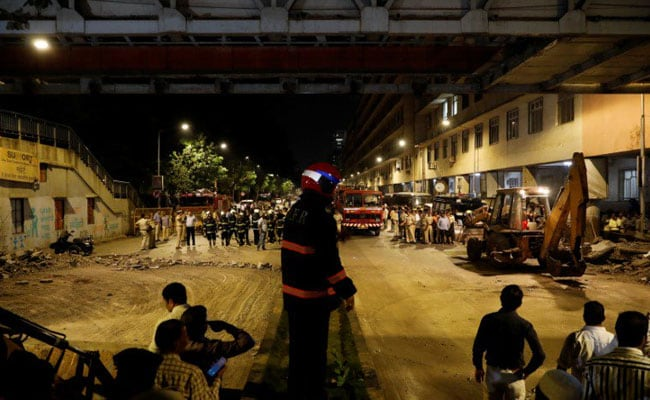 Mumbai footbridge collapse kills five and injures dozens
