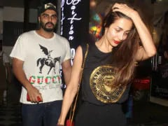 Arjun Kapoor Reviews Malaika Arora's Party Look, Comments On Her Insta Pic