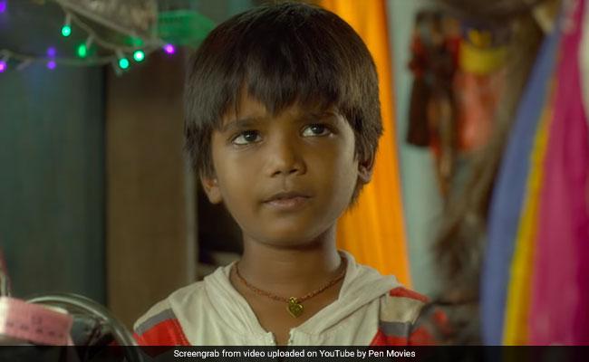 Mere Pyare Prime Minister Review: टॉयलेट बनवाने के लिए प्रधानमंत्री को पत्र लिखता है बच्चा, कुछ ऐसी है कहानी