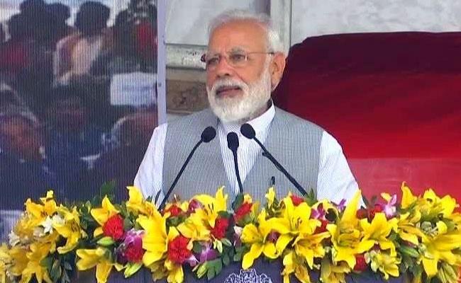 PM Modi Inaugurates Delhi Metro's Blue Line Extension in Noida