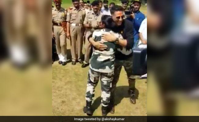 Kesari: Akshay Kumar Gets To Try Out His Kickboxing Skills With BSF Jawans
