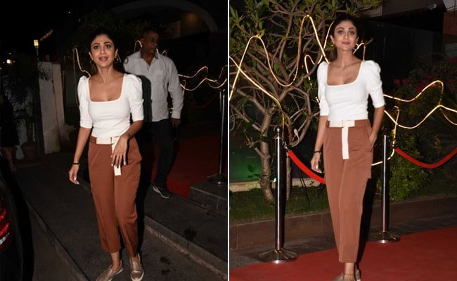 Get Yourself A Chic Pair Of Trousers Like Shilpa Shetty. 5 Trendy Options