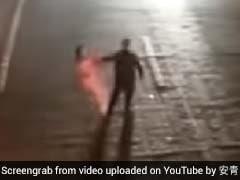 पत्नी के प्यार की परीक्षा लेने पहुंचा शख्स, बीच रोड पर यूं मचाया जमकर तमाशा, Viral हुआ Video