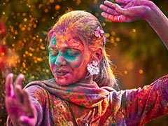 Holi 2019: Tips To Celebrate Toxin-Free Organic Holi - How To Make Skincare Scrubs And Natural Holi Colours