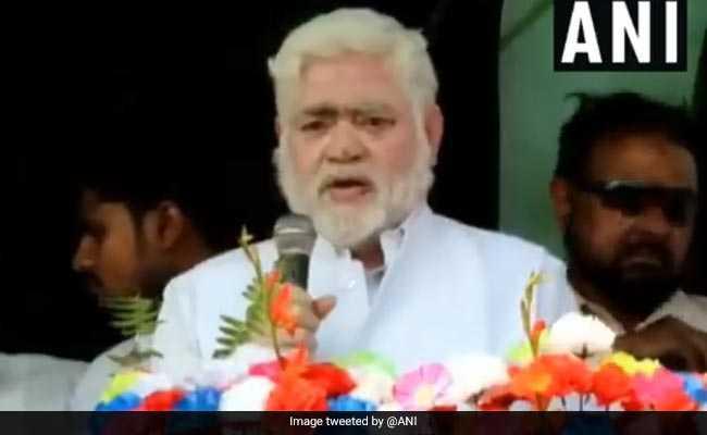 तेजस्वी की मौजूदगी में RJD विधायक ने आतंकी मसूद अजहर को कहा 'साहब', फिर गिरिराज का 'हल्ला बोल'