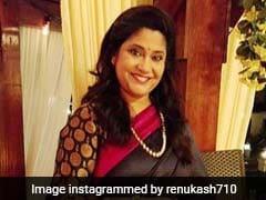 Renuka Shahane ने देवेंद्र फडणवीस की पत्नी के ट्वीट पर किया रिएक्ट, बोलीं- सुशांत सिंह राजपूत की मौत का राजनीतिकरण