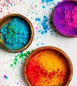 5 ब्रैंड्स जो बनाते हैं Holi के लिए केमिकल फ्री रंग