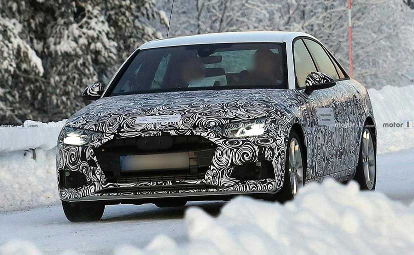 The face of the new Audi A4 looks inspired from the A5 Sportback.