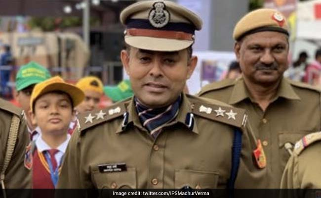 Traffic Inspector Alleges Delhi Top Cop Thrashed Him For Stopping His Car