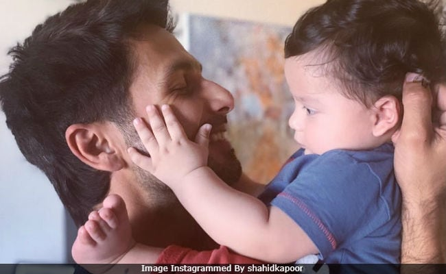 Viral: Pic Of Shahid Kapoor With 'Sun' Zain. Seen Yet?