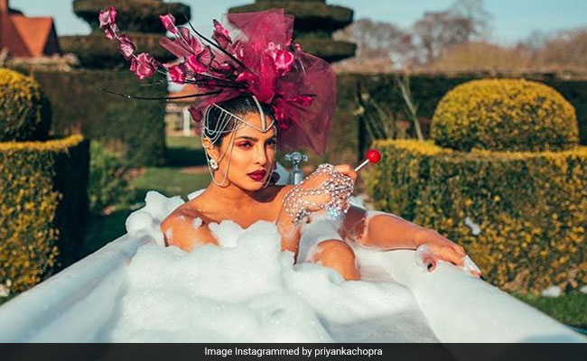After Documentary On Jonas Brothers' Sucker, A Project With Priyanka Chopra For Amazon Prime?