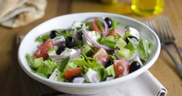Weight Loss Diet: Learn 5 ways to make salad with olive oil, enjoy eating healthy