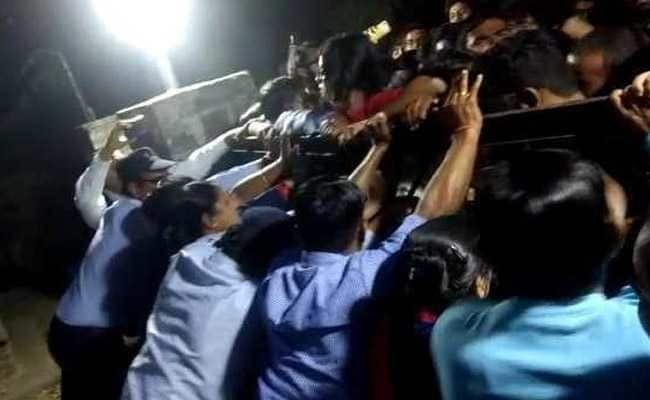 "JNU Vice-Chancellor ""Forgives"" Students For Entering Home, Confining Wife"