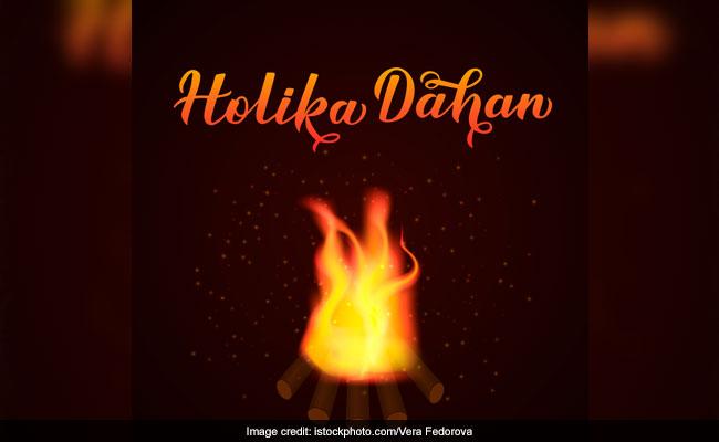 Holika Dahan: Know The Muhurata  - Auspicious Time  - To Perform Pooja