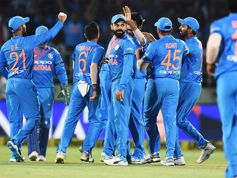 India vs Australia 1st ODI: MS Dhoni Finish The Game With A Over-Boundary