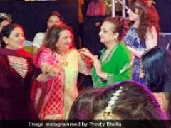 Pic Of Saira Banu Dancing At Grandniece Sayyeshaa Saigal's <i>Sangeet</i> Is Now Viral