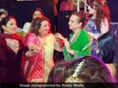 Pic Of Saira Banu Dancing At Grandniece Sayyeshaa Saigal's <i>Sangeet</i> Is Now Viral