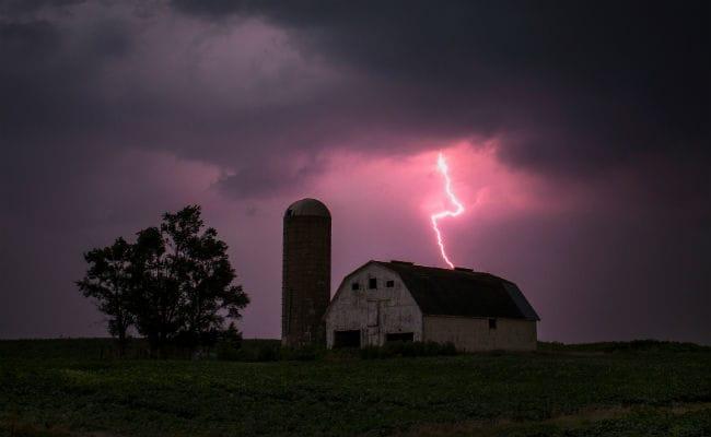 उत्तर प्रदेश में आंधी-तूफान और बिजली गिरने से 19 लोगों की मौत, 48 घायल