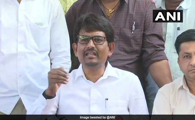 Alpesh Thakor Meets BJP's Nitin Patel, Triggers Talk Of Joining Party