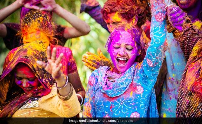 Holi Songs: Turn On The Festive Vibe With Peppy Holi Music