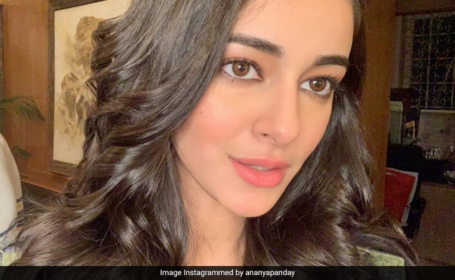 Ananya Panday Teases The Internet (Again) With An ROFL Post