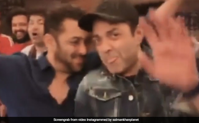 Seen This Viral Video Of Salman Khan And Bobby Deol Dancing At A Party?