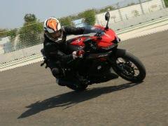 Yamaha R15 V3 0 Price, Mileage, Review - Yamaha Bikes