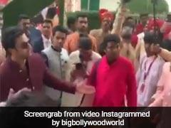 आकाश अंबानी की शादी में जमकर नाचे रणबीर कपूर, वायरल हुआ Video