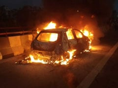 Woman, 2 Daughters Dead As Car Catches Fire On Flyover In East Delhi