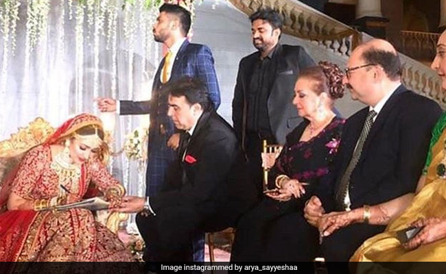 Suriya, Karthi and others who attended Arya and Sayyeshaa's wedding in Hyd
