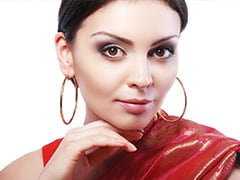 Add Sparkle To Casual Looks With These 10 Gold Hoops Under Rs 500