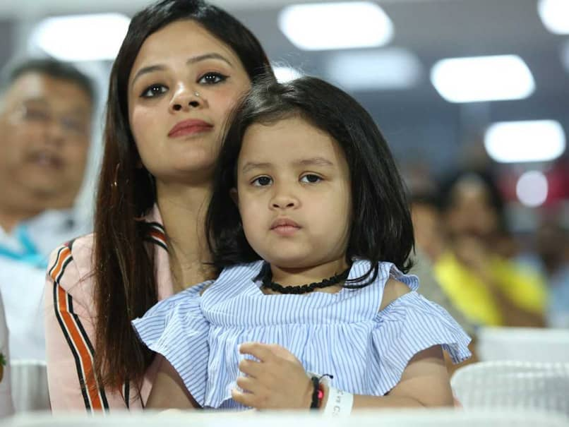 Ziva Cheering For Father MS Dhoni Is Cuteness Personified - Watch