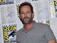 Luke Perry, Rebellious Teen Idol From <i>Beverly Hills 90210</i>, Dies At 52