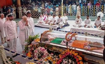पंचतत्व में विलीन हुए गोवा के मुख्यमंत्री मनोहर पर्रिकर, हजारों नम आंखों ने दी अंतिम विदाई