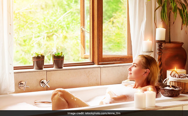 5 Ways To Turn Your Bath Into A Relaxing Spa