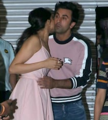 Viral: Pics Of Deepika Padukone Hugging Ranbir Kapoor Are So Aww