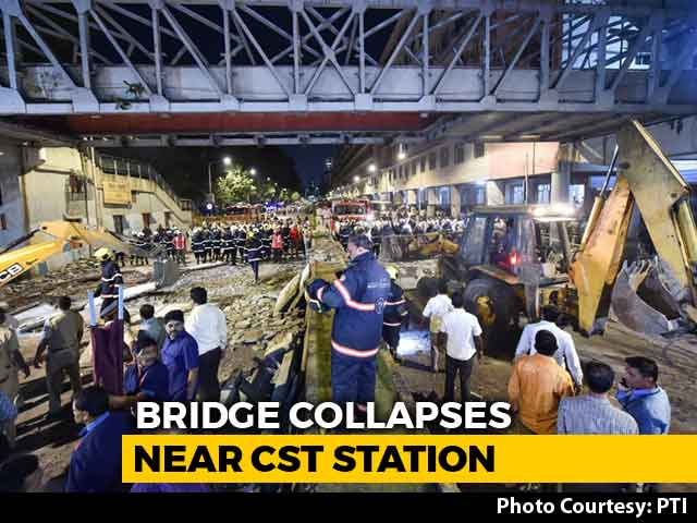 Video : 6 Dead, 31 Hurt As Foot Overbridge Collapses Near Mumbai's CST