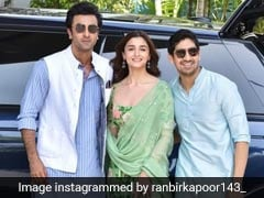 <i>Brahmastra</i> At Kumbh Mela: Alia Bhatt, Ranbir Kapoor Launch Film's Logo On Mahashivratri