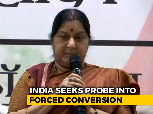 Video : Sushma Swaraj Seeks Report On Alleged Kidnapping Of 2 Hindu Girls In Pak