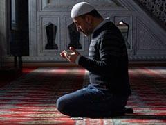 हमले के बाद पहली बार क्राइस्टचर्च मस्जिद में अदा की गई नमाज