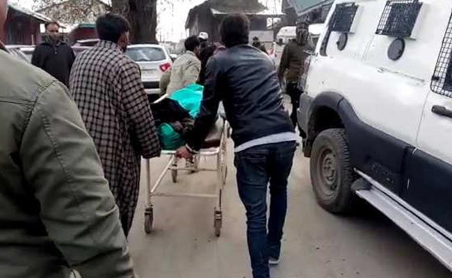 जम्मू कश्मीर: शोपियां में महिला एसपीओ को घर के बाहर आतंकियों ने मारी गोली