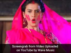 अक्षरा सिंह ने भोजपुरी सॉन्ग 'होली हम नाहीं खेलब...' से मचाया धमाल, खूब देखा जा रहा Video