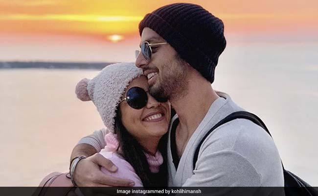 Neha Kakkar 'Regrets' Discussing Break-Up With Himansh Kohli