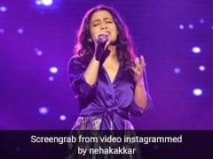 Neha Kakkar ने स्टेज पर दी धमाकेदार परफॉर्मेंस, Video ने मचाई धूम