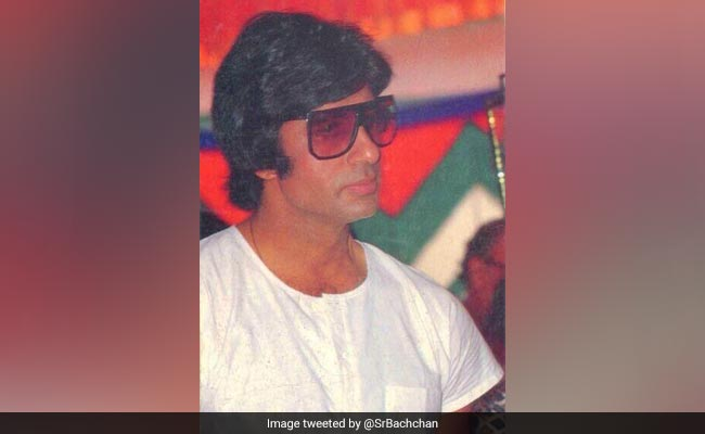Amitabh Bachchan's Advice On Seventies Fashion Has A Ranveer Singh Connection