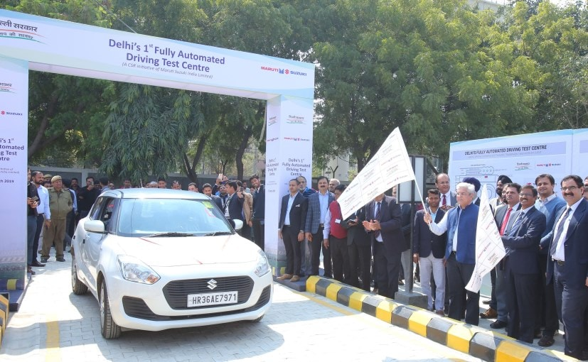 Kailash Gahlot, Minister of Transport and other dignitaries inaugrating the driving test centre