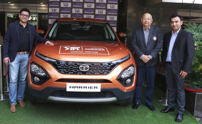 Vivek Srivatsa Marketing Head Tata and Amitabh Choudhary BCCI Secretary with the Tata Harrier